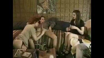 Джил с упругой жопой просит хахаля отодрать ее без презика