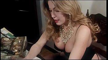 Парень после порно накормил латинку семенной жидкостью с лижки